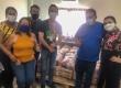 Secretaria de Assistência Social faz entrega de kits de alimentos à população.